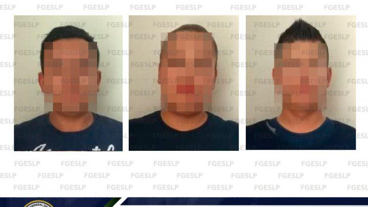 FISCALÍA DE SLP DETIENE A 3 POLICÍAS ESTATALES POR PROBABLE SECUESTRO EXPRESS AGRAVADO