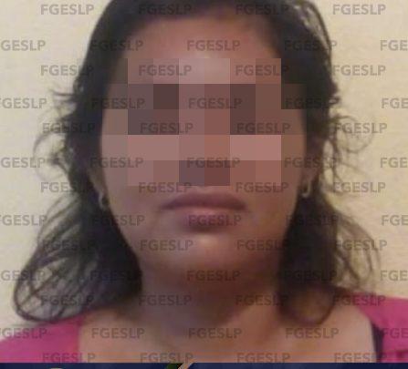 FGE DETIENE A UNA MUJER POR PRESUNTA VIOLENCIA FAMILIAR EN CIUDAD VALLES