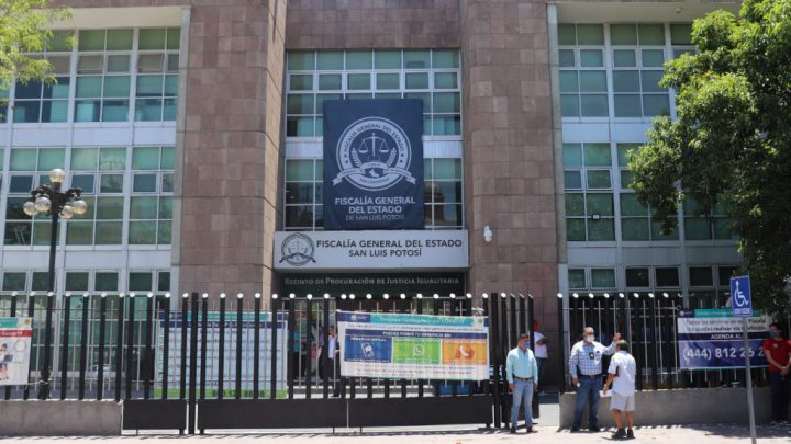 FGE INVESTIGA HALLAZGO DE 2 CUERPOS DESMEMBRADOS EN LA CARRETERA 57 DE SLP