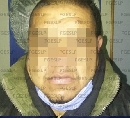 FGESLP DETIENE A HOMBRE POR PRESUNTO ROBO DE UNA CAMIONETA EN SALINAS