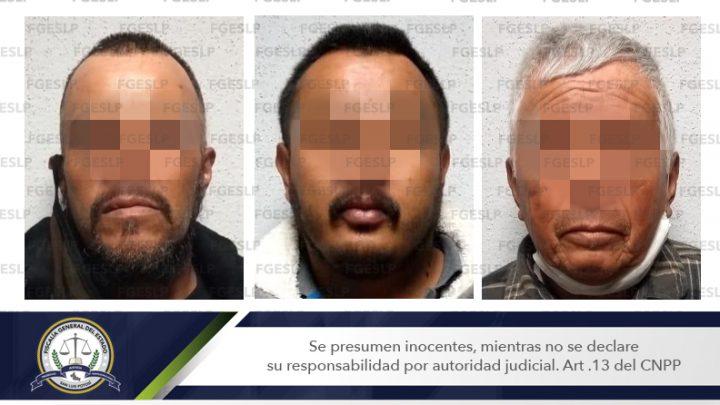 DETIENE FGE A TRES HOMBRES POR PRESUNTO ATAQUE PELIGROSO Y ROBO CALIFICADO